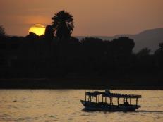 A orillas del Nilo, Lúxor