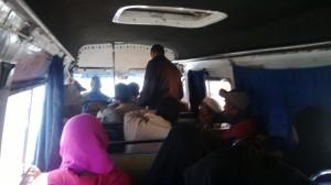 Las pequeñas y economicas combis marroquíes