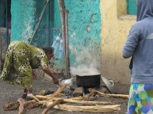 Festejos del primero de mayo (de su propio calendario), día de la Virgen, en Gondar, Etiopía