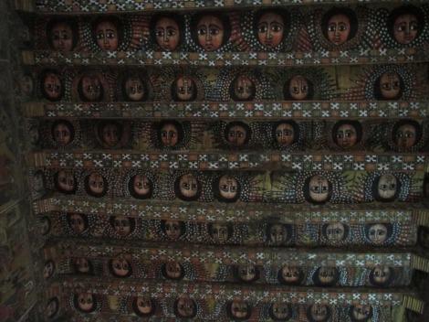 El techo de una iglesia en Gondar, pintado con ángeles, como la capilla sixtina