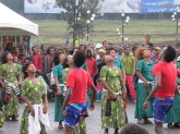 Bailes típicos en el centro de exposiciones de Addis Ababa, Etiopía