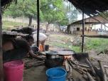Puesto de comidas cerca del puerto informal
