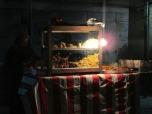 Oferta gastronómica callejera en Zanzíbar, Tanzania