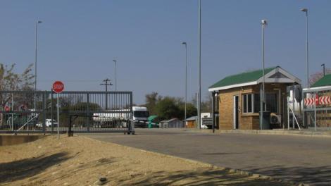 El cruce de frontera Botswana-Sudáfrica
