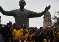 "Estatua de Mandela frente al ""Union buildings"" en Pretoria, Sudáfrica"