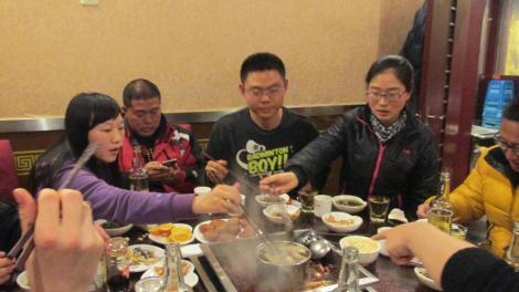 Hot pot en familia en Mianyan, provincia de Sichuan