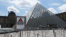 Alerta de riesgo de atentados en el Louvre