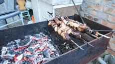 """Shashlik"", brochettes asados tradicionales de Rusia"