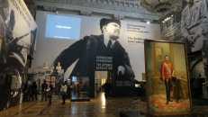 Exhibición sobre la Revolución de Octubre en el museo Hermitage, con más referencias al zar Nicolás que a Lenin y los bolcheviques
