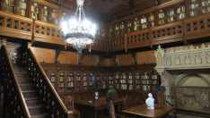 Antigua biblioteca del zar Nicolás II, que Kerensky, líder del gobierno provisional (que gobernó tras la dimisión del zar y antes de la Revolución de octubre), usó como despacho. Museo Hermitage, San Petesburgo