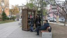 Biblioteca gratuita en plaza de Vladivostok, Rusia.